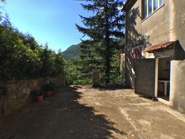 Vendita duplex porretta terme casa con due appartamenti for Piani duplex con garage in mezzo