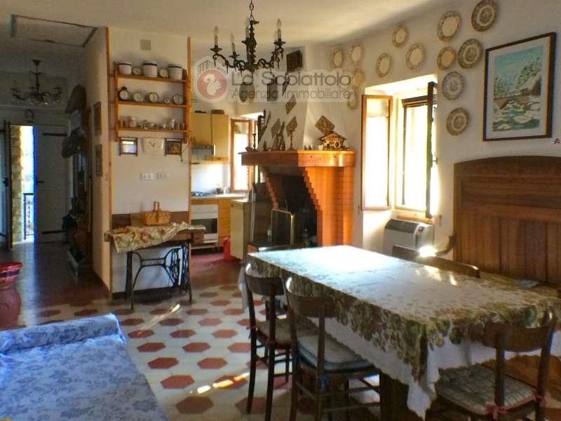 Vendita semi indipendenti vergato porzione di casa in sasso con taverna e giardino localit riola - Taverna di casa ...